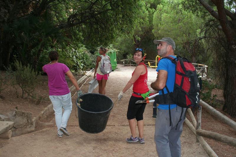 actividad-cem–limpieza-medio-ambiente-pecho-de-las-cuevas-polideportivo-paco-cantos-marbella-01