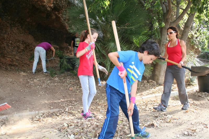 actividad-cem–limpieza-medio-ambiente-pecho-de-las-cuevas-polideportivo-paco-cantos-marbella-11