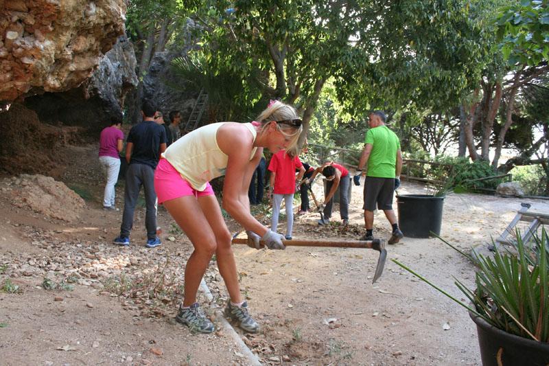 actividad-cem–limpieza-medio-ambiente-pecho-de-las-cuevas-polideportivo-paco-cantos-marbella-10