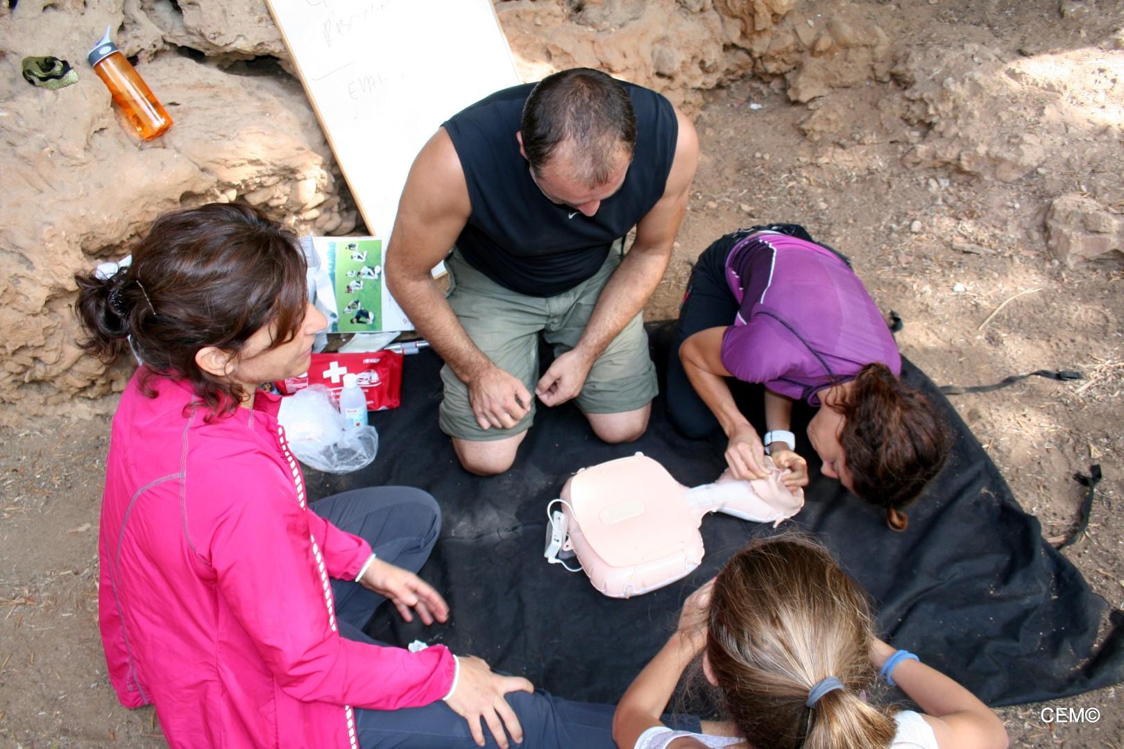 actividad-cem-escalada-taller-primeros-auxilios-2016-01